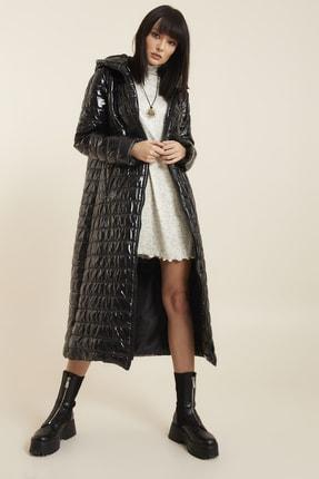 تصویر از Kadın Siyah Kapüşonlu Palto