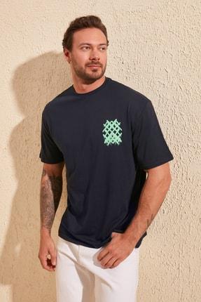 TRENDYOL MAN Lacivert Erkek Sırt Baskılı Geniş Kesim T-Shirt TMNSS20TS1036 4
