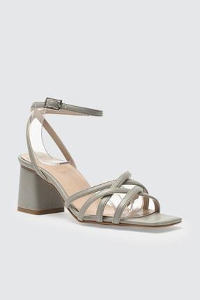 TRENDYOLMİLLA Gri Kadın Klasik Topuklu Ayakkabı TAKSS21TO0046 1