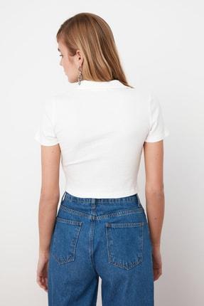 TRENDYOLMİLLA Beyaz V Yaka Crop Örme Bluz TWOSS21BZ0038 3