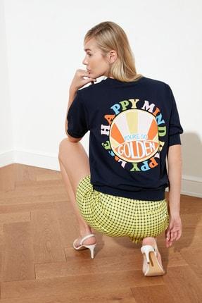 TRENDYOLMİLLA Lacivert Baskılı Örme Sweatshirt TWOSS21SW0222 1