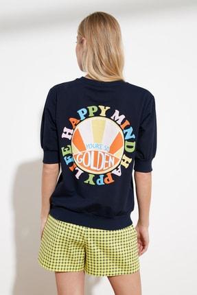 TRENDYOLMİLLA Lacivert Baskılı Örme Sweatshirt TWOSS21SW0222 4
