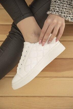 Straswans Kadın Beyaz Kapitone Rugan Spor Ayakkabı 1