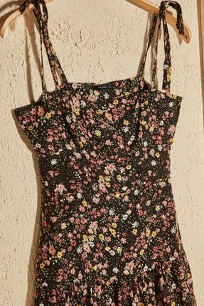 TRENDYOLMİLLA Siyah Çiçek Desenli Askılı Elbise TWOSS20EL3165 1