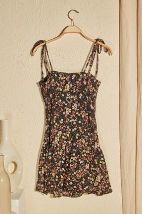 TRENDYOLMİLLA Siyah Çiçek Desenli Askılı Elbise TWOSS20EL3165 2