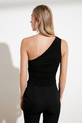 TRENDYOLMİLLA Siyah Tek Omuzlu Büzgülü Örme Bluz TWOSS21BZ0590 4