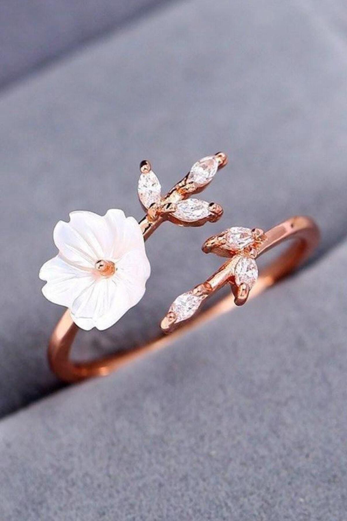Kadın Beyaz Manolya Çiçeği 14k Rose Altın Kaplama Yüzük