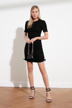 TRENDYOLMİLLA Siyah Yanları Büzgülü Örme Elbise TWOSS21EL0118 1