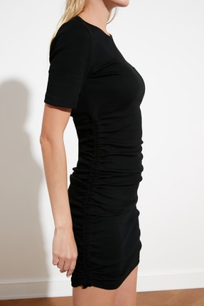 TRENDYOLMİLLA Siyah Yanları Büzgülü Örme Elbise TWOSS21EL0118 3