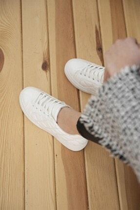 Straswans Kadın Beyaz Kapitone Rugan Spor Ayakkabı 3