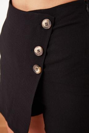 TRENDYOLMİLLA Siyah Düğme Detaylı Şort & Bermuda TWOSS20SR0039 3
