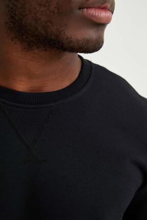 Defacto Erkek Siyah Bisiklet Yaka Regular Fit Basic Sweatshirt 2