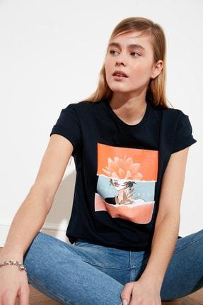 TRENDYOLMİLLA Lacivert Baskılı Semifitted Örme T-Shirt TWOSS20TS0560 2