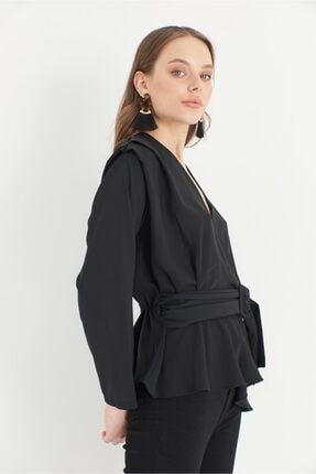 Kadın Siyah Kruvaze Volanlı Bluz MKZ202106