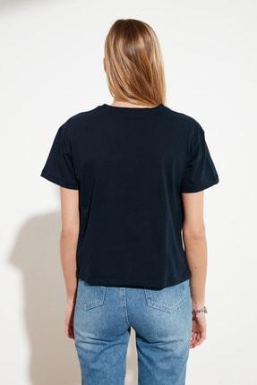 TRENDYOLMİLLA Lacivert Baskılı Semifitted Örme T-Shirt TWOSS20TS0560 4