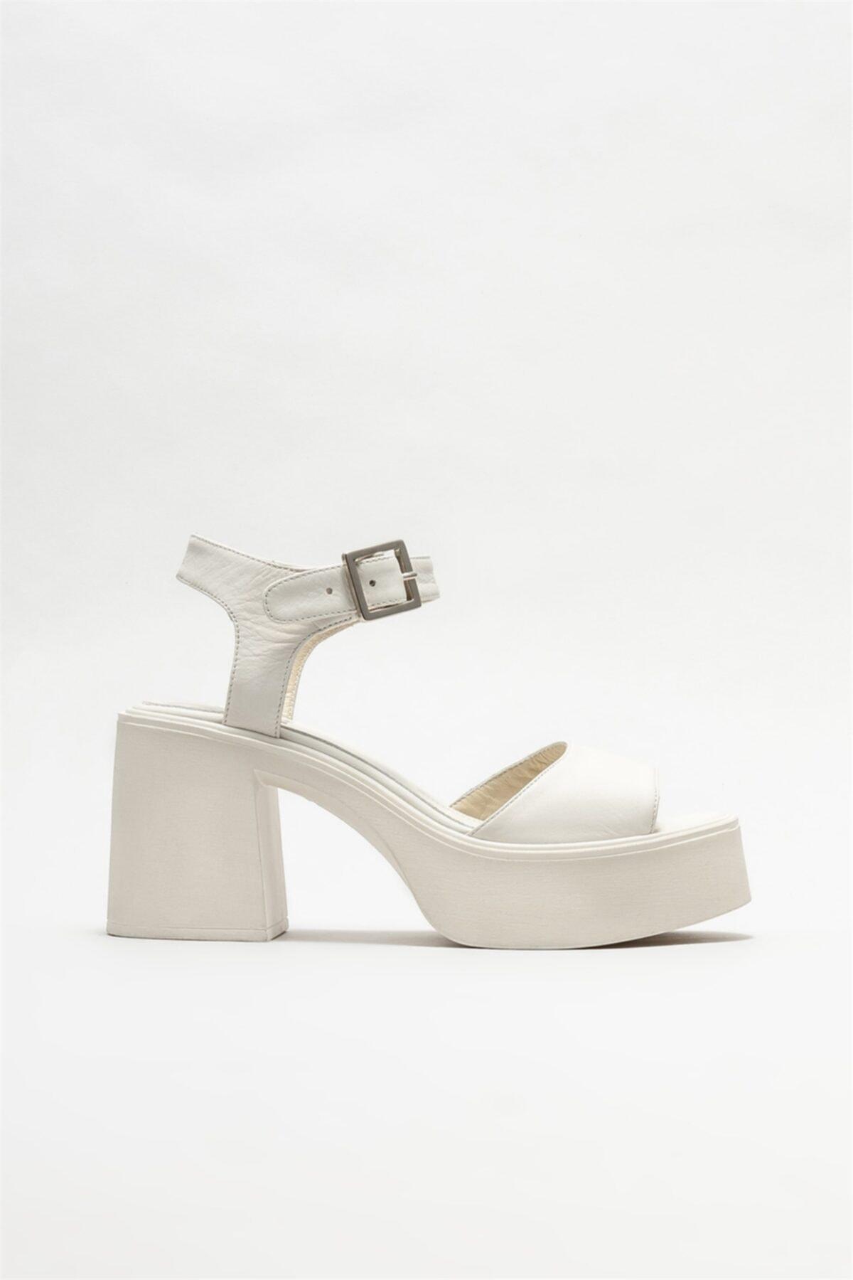 Kadın Bej Deri Topuklu Sandalet