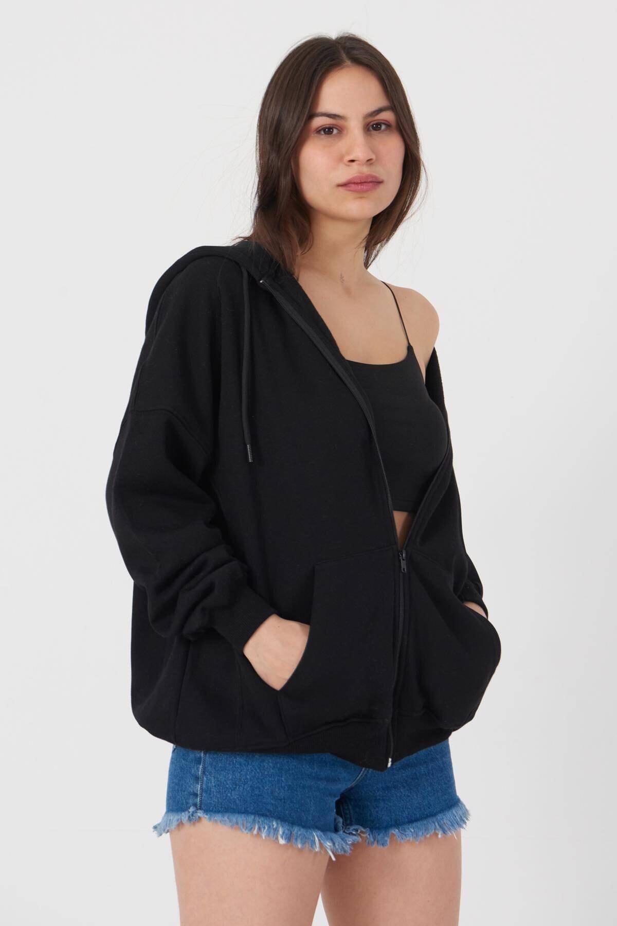 Addax Kadın Siyah Kapüşonlu Uzun Hırka H0725 - W6 - W7 ADX-0000020316 1