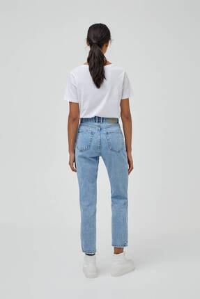 Pull & Bear Kadın Açık Mavi Mom Fit Basic Jean 3