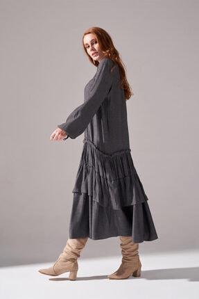 Mizalle Kolları Büzgülü Kat Detaylı Elbise (Gri) 2