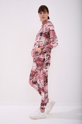 تصویر از Bordo-bordo Kadın Kapüşonlu Karışık Batik Desenli Rahat Form Manşetli Eşofman Takımı