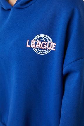 TRENDYOLMİLLA Saks Ön ve Sırt Baskılı Basic Örme Sweatshirt TWOAW21SW0047 4