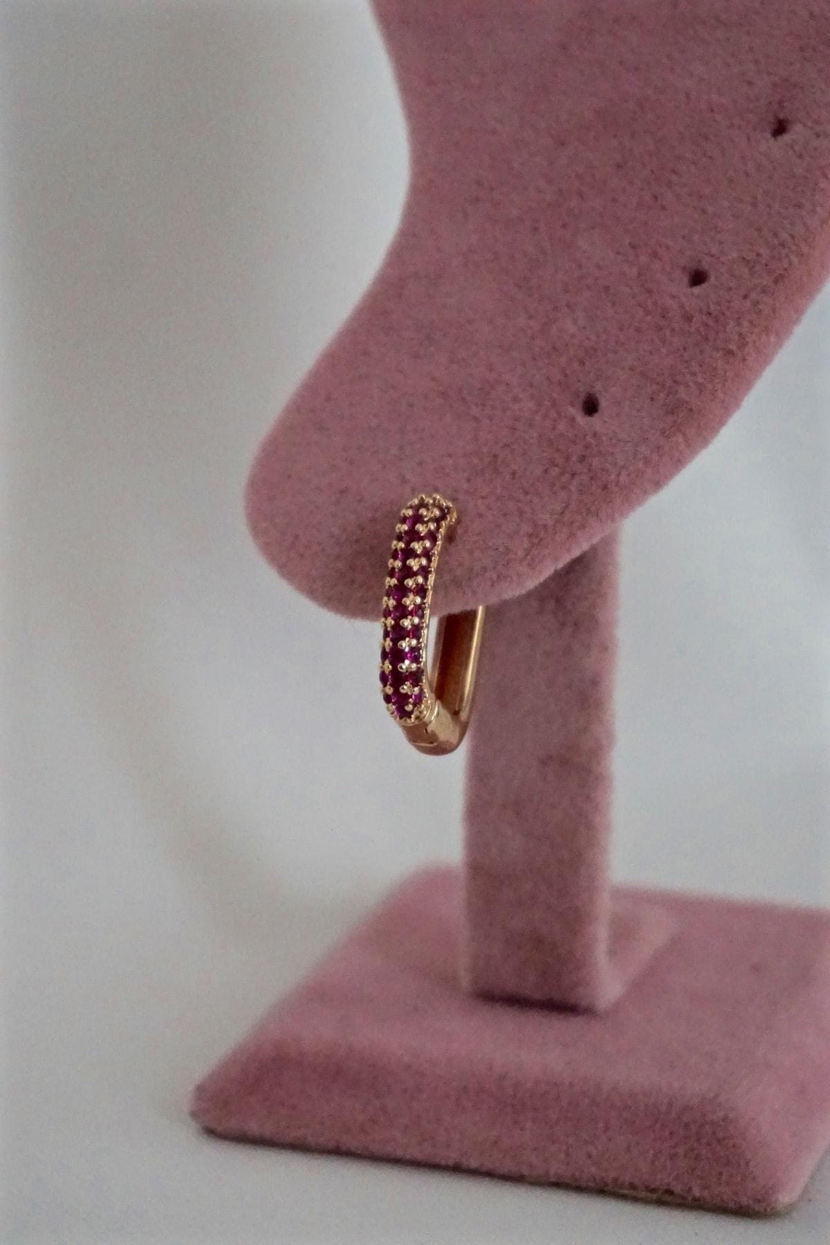 By Meriç Kadın Pembe Renk Zirkon Taşlı Dörtgen Model Altın Kaplama Halka Küpe