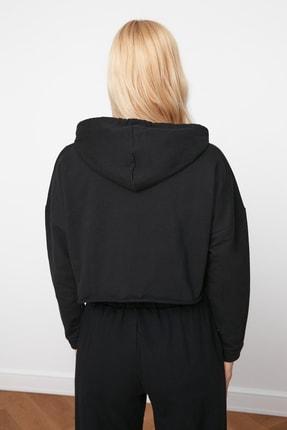TRENDYOLMİLLA Siyah Kapüşonlu Crop Örme Sweatshirt TWOAW20SW0144 4