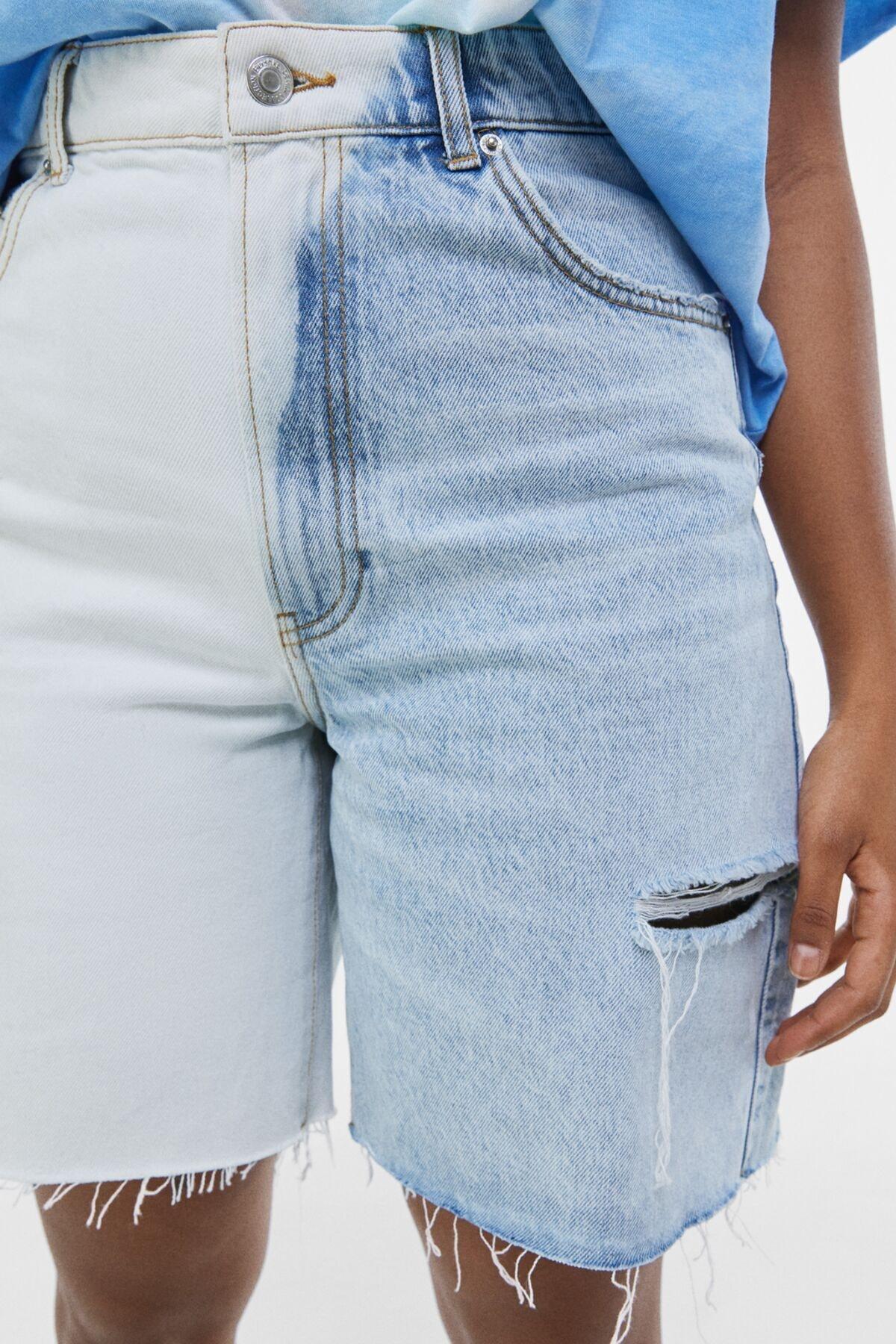 Bershka Kadın Açık Mavi Yanları Dikişli İki Renkli Denim Bermuda 02663534 2