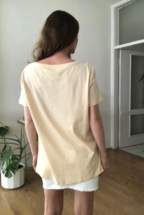 TRENDYOLMİLLA Bej %100 Pamuk Süprem Kayık Yaka Boyfriend Örme T-Shirt TWOSS20TS0140 4