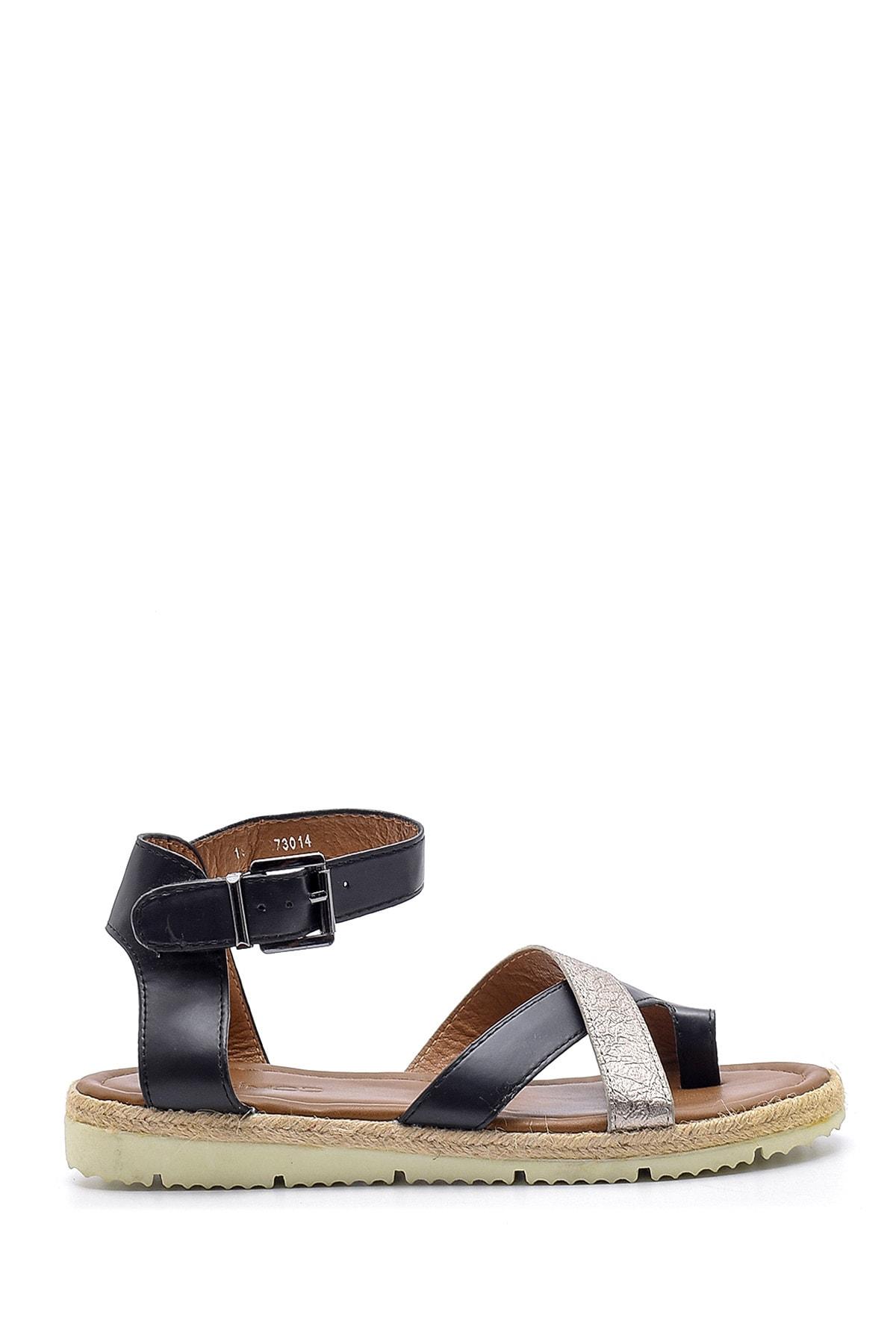 Derimod Kadın Işlemeli Sandalet