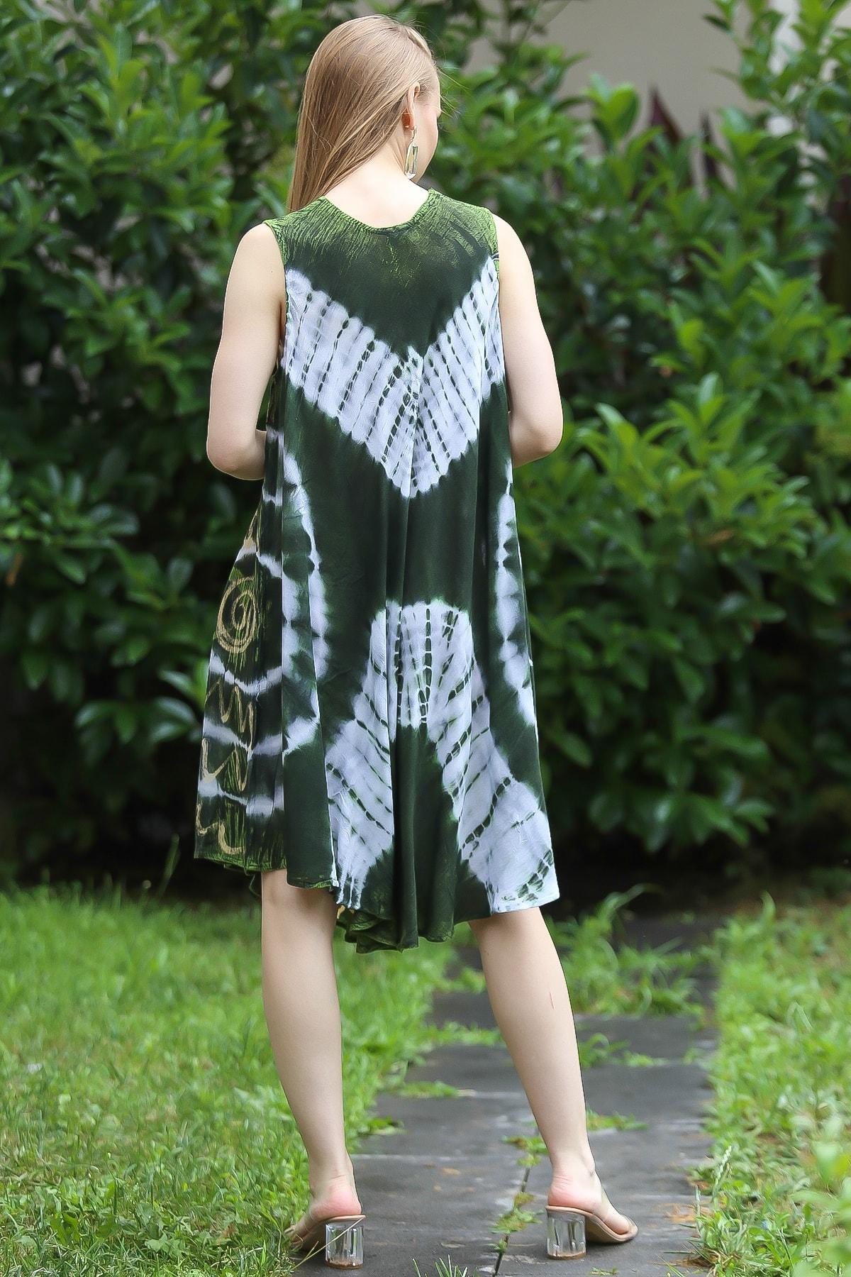 Chiccy Kadın Yeşil Bohem Batik Desenli Kolsuz Kloş Elbise M10160000EL96673 4
