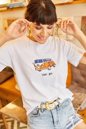 Olalook Kadın Beyaz Van Go Nakışlı Tişört TSH-19000380 1