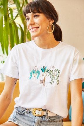 Olalook Kadın Beyaz Saksı Nakışlı Tişört TSH-19000379 2