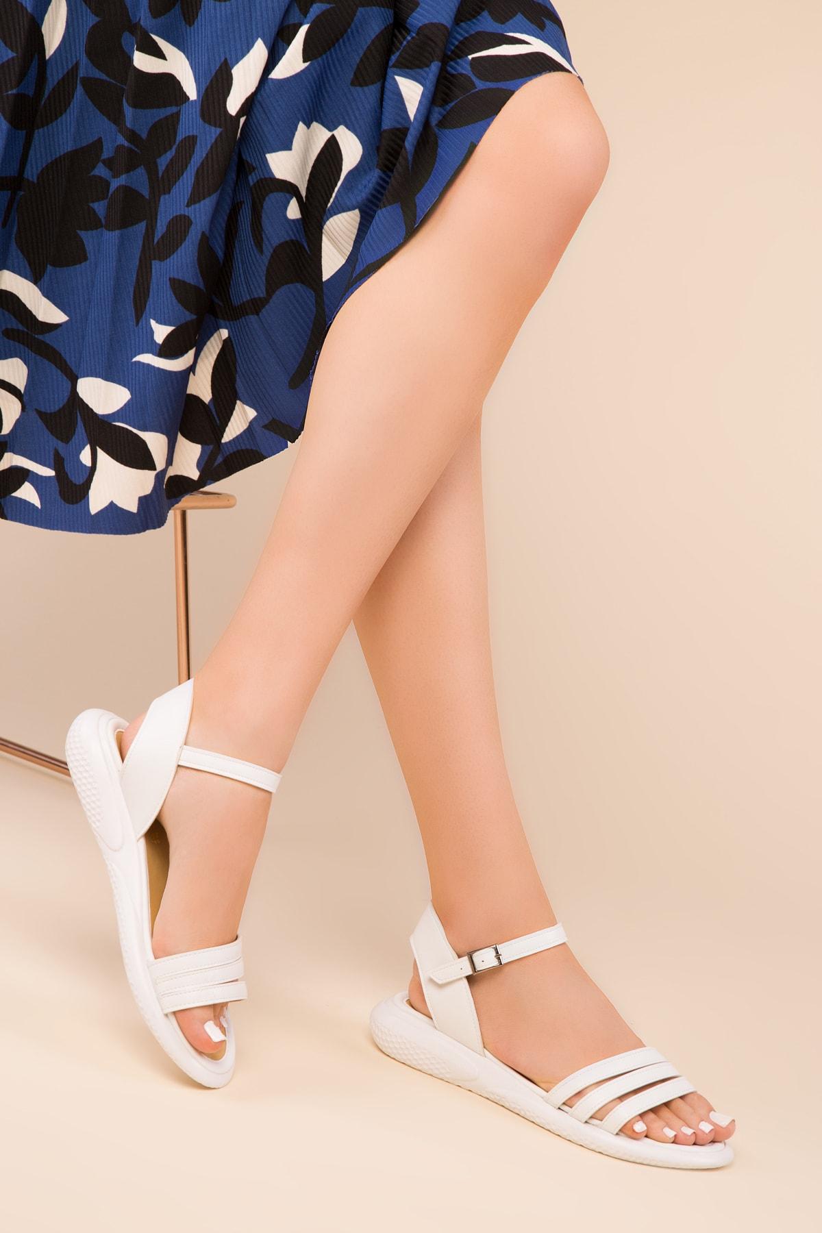 Beyaz Kadın Sandalet 15110
