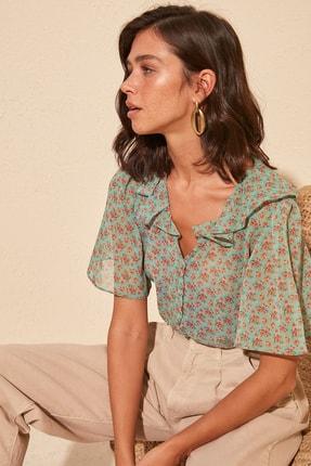 TRENDYOLMİLLA Çok Renkli Volanlı Gömlek TWOSS20GO0296 1