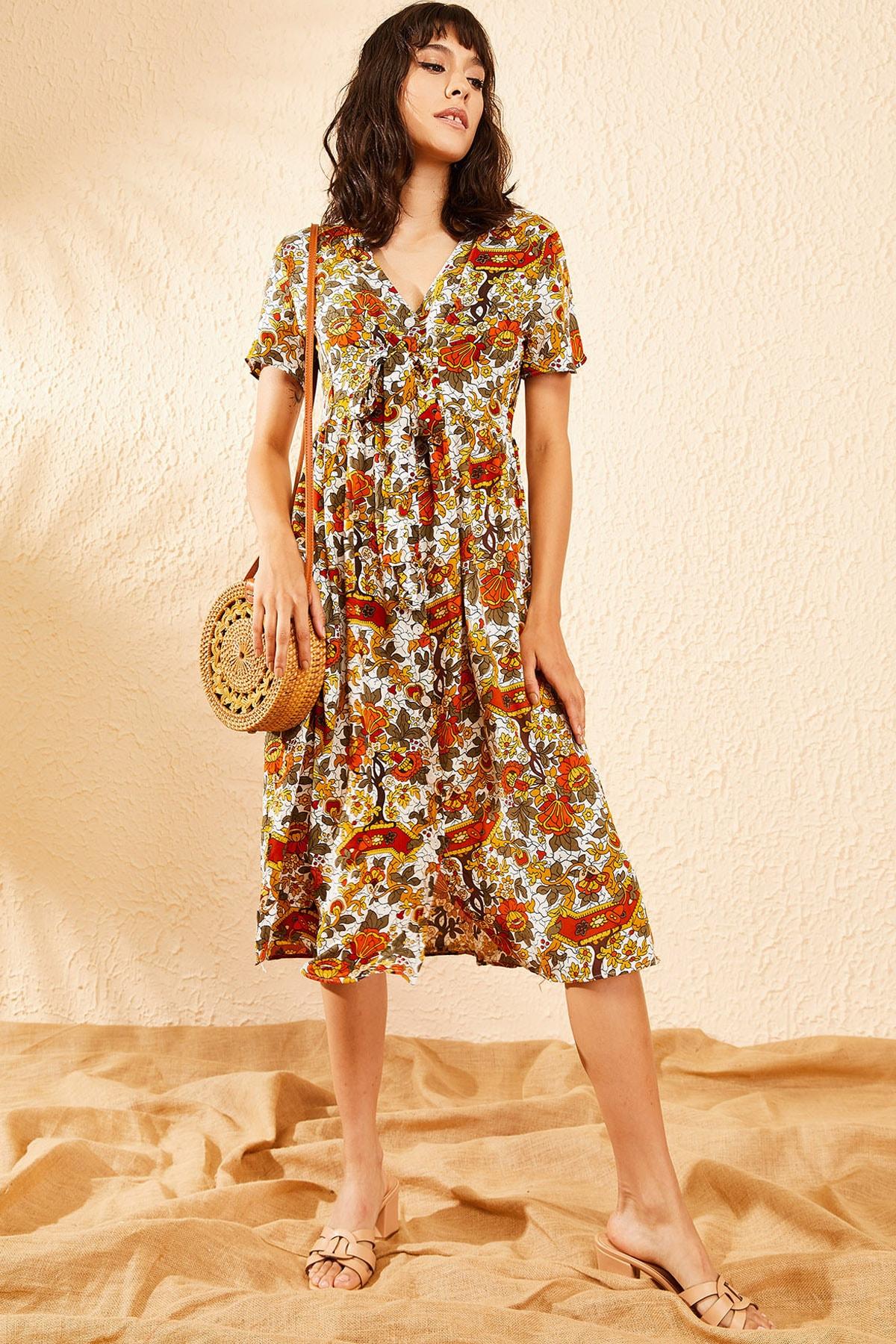 Bianco Lucci Kadın Beyaz Multi Çiçek Desenli Düğme Detaylı Uzun Gömlek  Elbise 10081006 1