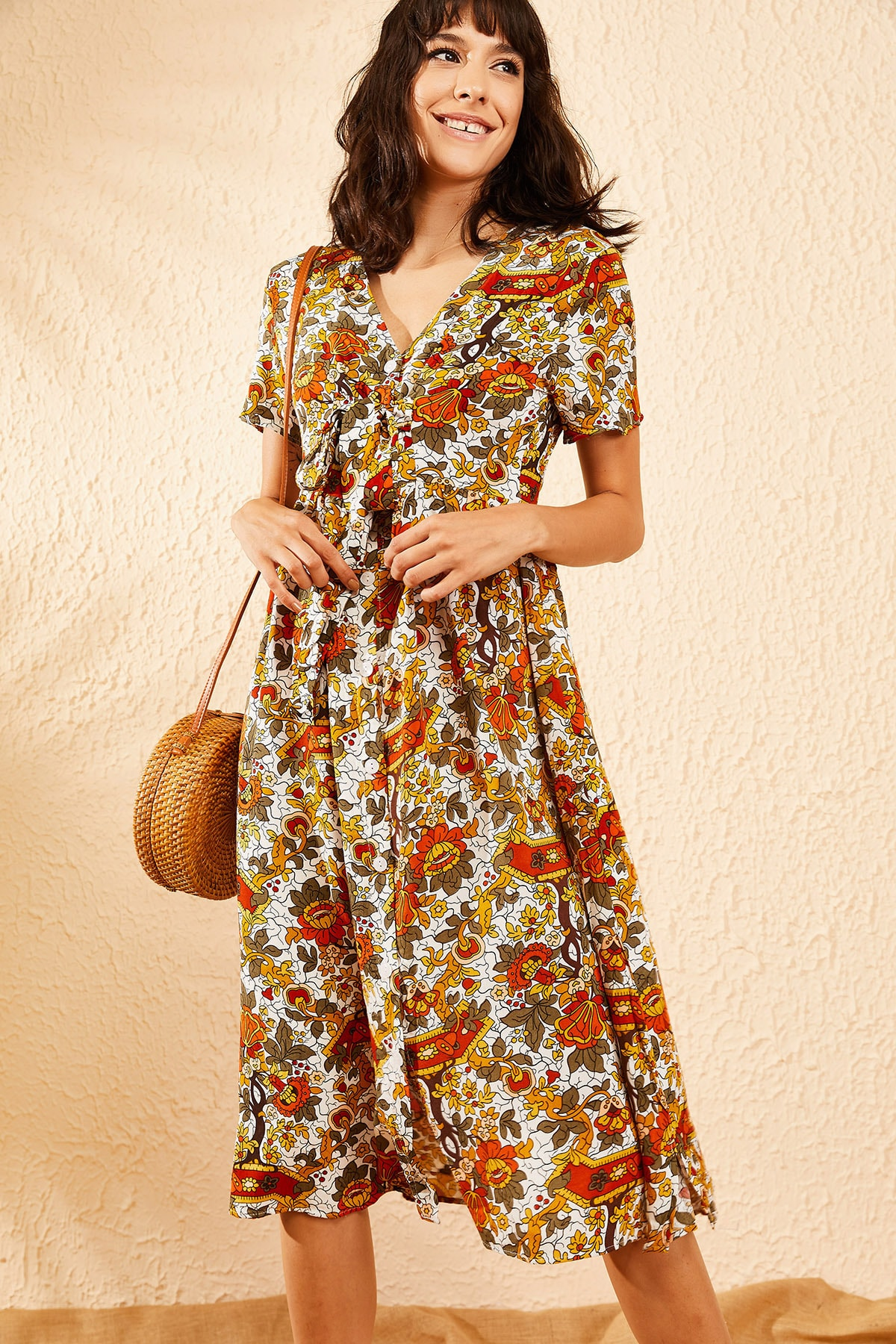 Bianco Lucci Kadın Beyaz Multi Çiçek Desenli Düğme Detaylı Uzun Gömlek  Elbise 10081006 2