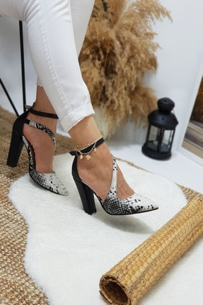 Leyla Yıldız Siyah Yılan Çapraz Topuklu Ayakkabı 0