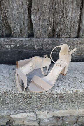 BUTİK 37.5 Kadın Bej Süet Tek Bant Topuklu Ayakkabı 2