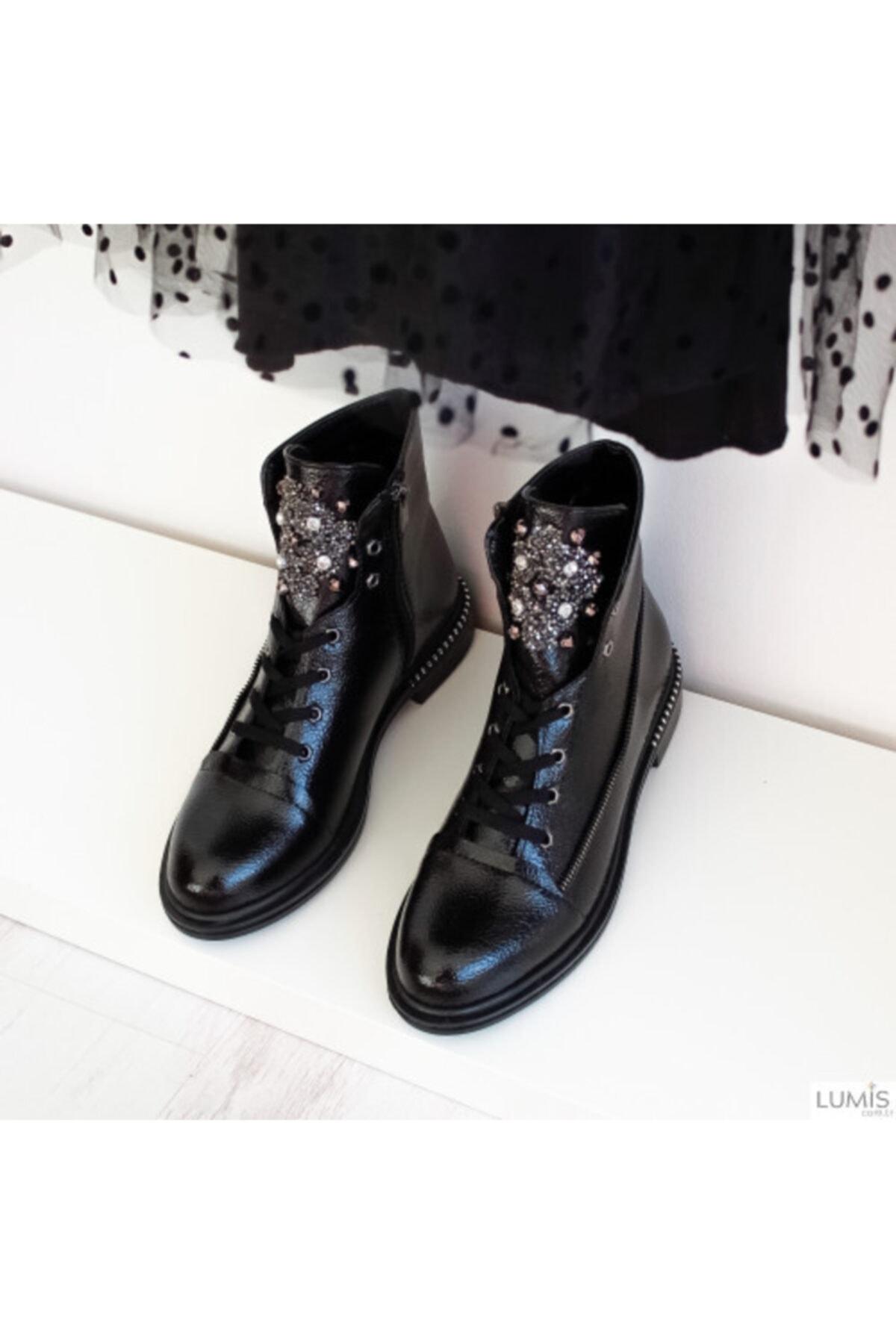 Lumis Shoes Kadın Siyah Rugan Taş Detaylı Bot
