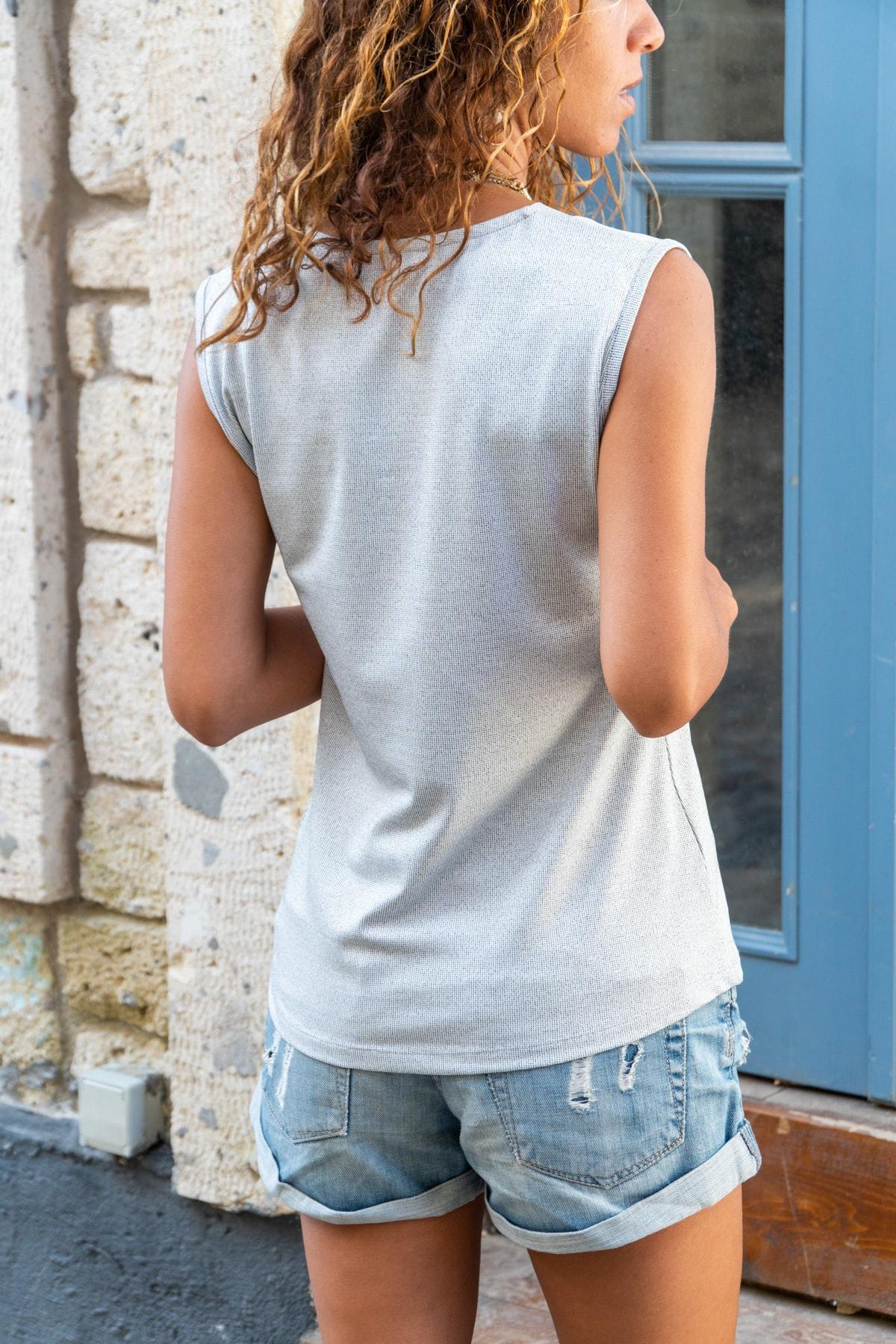 Güneşkızı Kadın Gri Yumuşak Dokulu V Yaka Bluz GK-BST2892 1