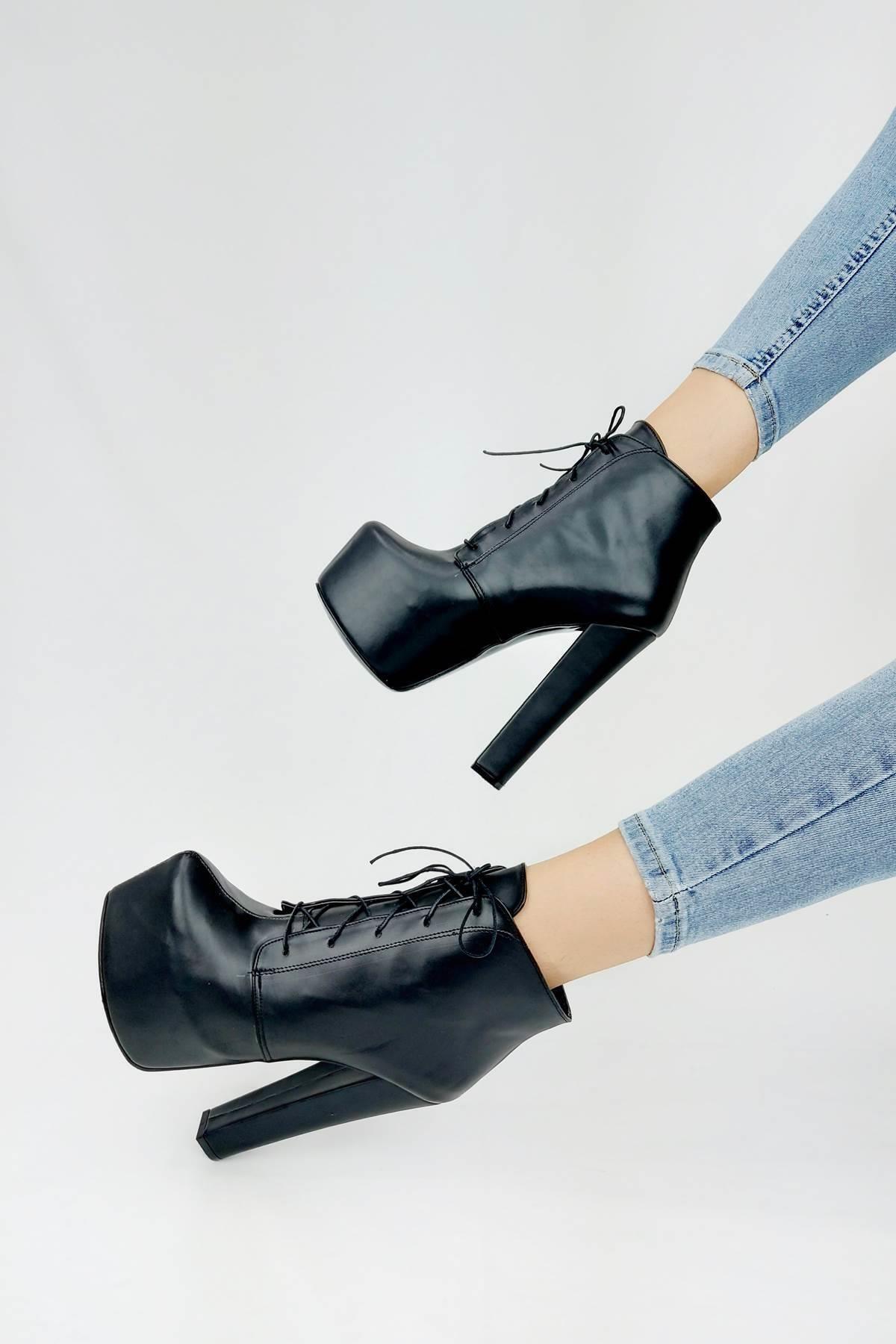 Ayakkabı Ateşi Kadın Siyah Cilt Yüksek Topuklu Bot