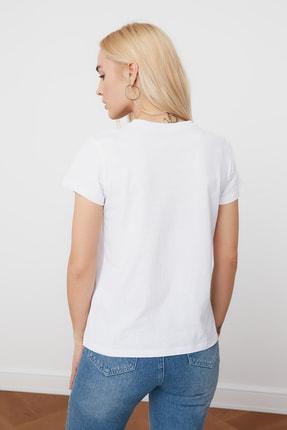 TRENDYOLMİLLA Beyaz Nakışlı Basic Örme T-Shirt TWOSS20TS0103 4