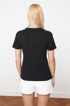 TRENDYOLMİLLA Siyah Yaka Detaylı Basic Örme T-Shirt TWOSS20TS0788 3