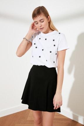TRENDYOLMİLLA Beyaz Yıldız Baskılı Basic Örme T-Shirt TWOSS20TS0757 4
