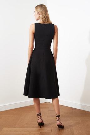 TRENDYOLMİLLA Siyah Pileli Elbise TWOSS20EL0980 4