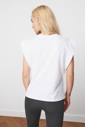TRENDYOLMİLLA Beyaz Kolsuz Basic Örme T-Shirt TWOSS20TS0021 4
