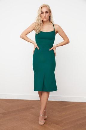 Zümrüt Yeşili Sırt Detaylı Elbise TPRSS21EL0024