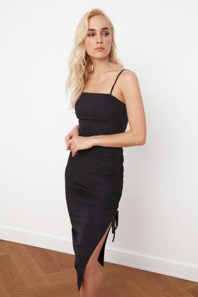 TRENDYOLMİLLA Siyah Yırtmaç Detaylı Drapeli Elbise TPRSS21EL0213 1