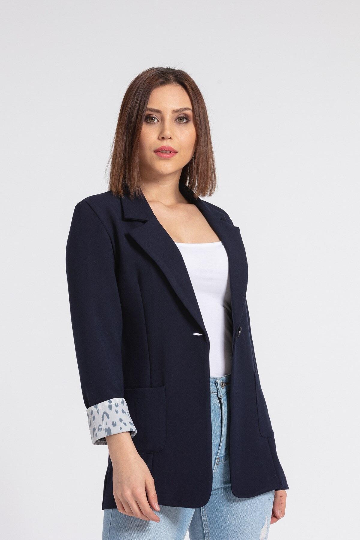 Kadın Lacivert Yakalı Cepli Uzun Kol Katlamalı Blazer Kumaş Ceket